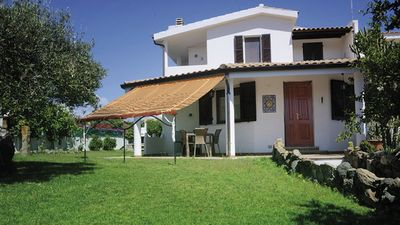 Photo for Villa with garden overlooking the sea