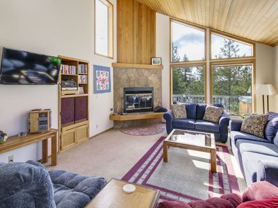 Photo for Multi-Level home with private hot tub and Access to SHARC!
