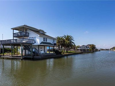 Photo for Water Ways - 3 Bedrooms, 2 Baths, Sleeps 9- Canal Home in Jamaica Beach