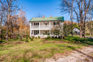 Beautiful Completely Restored 1860's Farmhouse One Hour South Of Nashville  - Cornersville