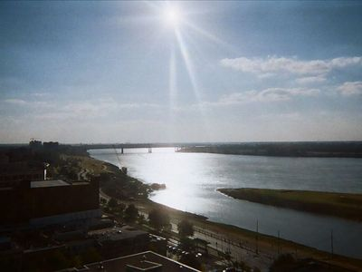 View of MS River and Tom Lee Park