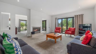 Photo for 4BR Villa Vacation Rental in Wanaka, Otago