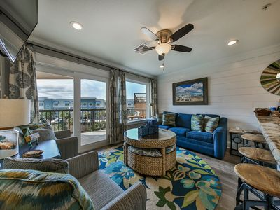 Photo for Full kitchen.  Top Floor, Gulf/ Pool Views. King bed, Washer/ dryer. WiFi