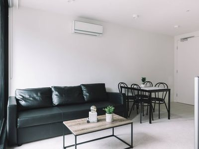 Photo for Apartment in the center of Melbourne with Internet, Air conditioning, Washing machine (740442)