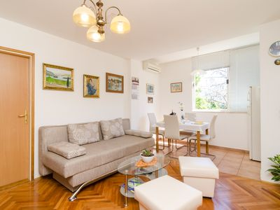 Photo for Comfortable and ideally positioned, in green area, close to main beach