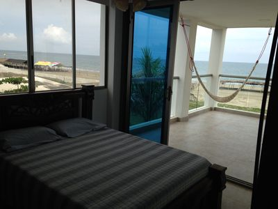 Photo for Beachfront Condo / Apartamento en la Playa con Hermosa Vistas del Mar