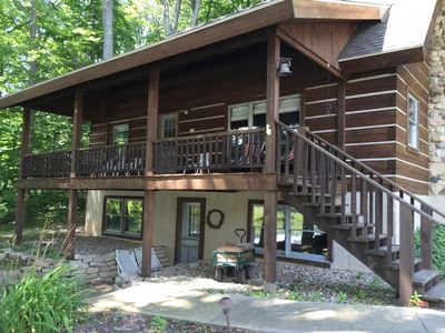 Somerset Cabin with large porch and walk out finished lower level/large windows