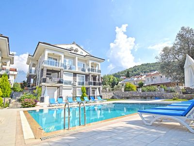 Centrally located 3 bed 3 bath apartment with  FREE WIFI