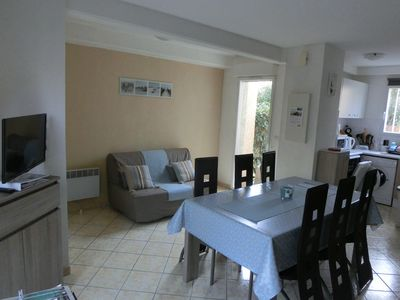 Photo for Villa T3 renovated + Private Terrace & Parking. Swimming pool, Shops and Beach at 50m!
