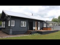Stunning views of Ruapehu, this sunny little villa has a quaint charm with everything we needed.