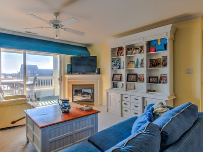 Photo for Enjoy bay views from this bright & spacious seaside condo!