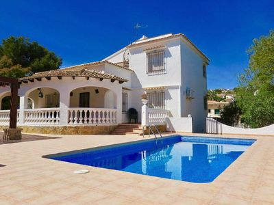 Photo for 3Bed, 2Bath villa within walking distance to beach, bars, shops and restaurants