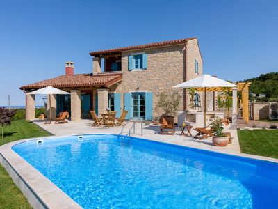 Photo for This 2-bedroom villa for up to 6 guests is located in Umag and has a private swimming pool, air-cond