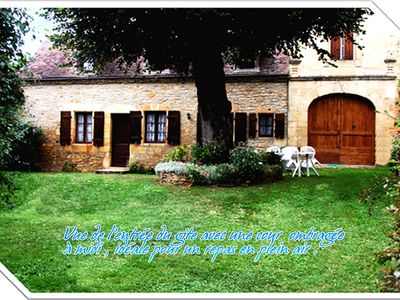 Photo for Quiet cottage in Dordogne near Sarlat in Black Périgord