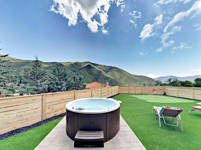Hot Tub - Welcome to Santa Clarita! Your rental is professionally managed by TurnKey Vacation Rentals.