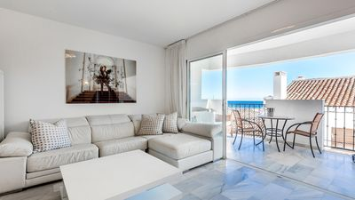 Beautiful luxury 2 bed 2 bath apartment in Puerto Banus with great terrace