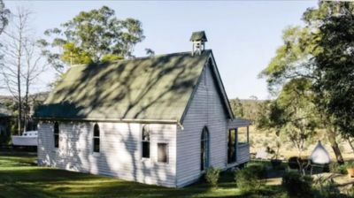 Photo for 1880s Church by the Colo River - Hawkesbury