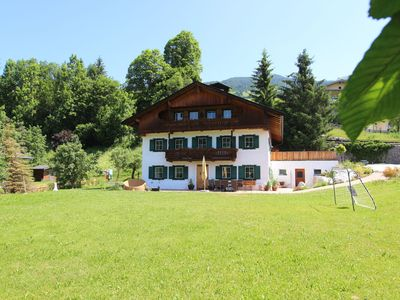 Photo for Comfortable apartment in atmospheric Hopfgarten, located 600m from the ski lift!