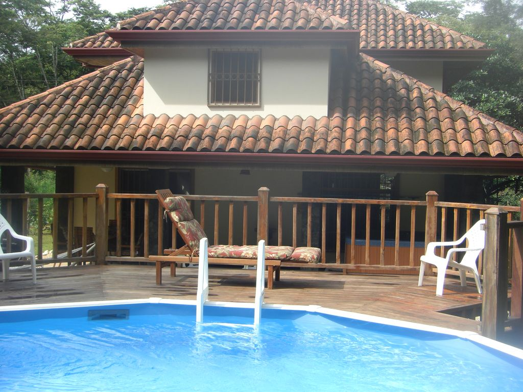 Enjoy the natural beauty of playa grande c vrbo for Costa rica house rental