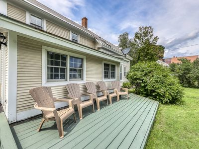Comfortable home - walk to shops and restaurants, close to slopes