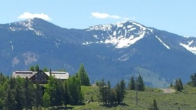 Photo for Sawtooth City Elegance, 360° views, loads of sun, peace and quiet