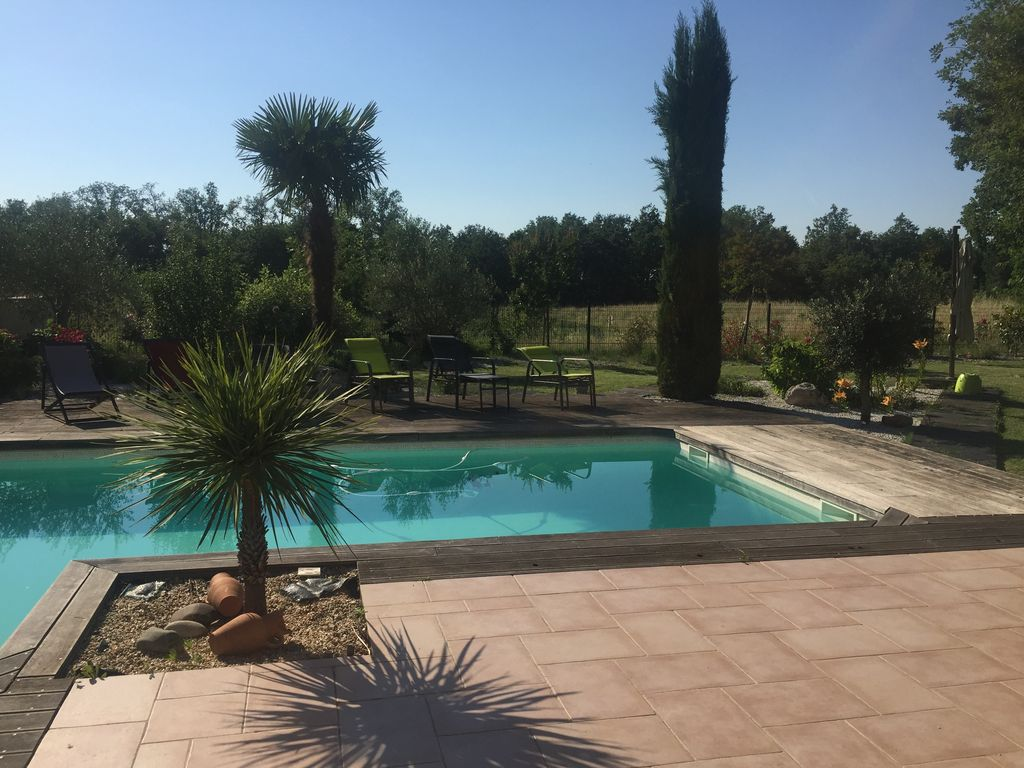 Villa avec piscine pour 9 personnes colomiers for Piscines colomiers