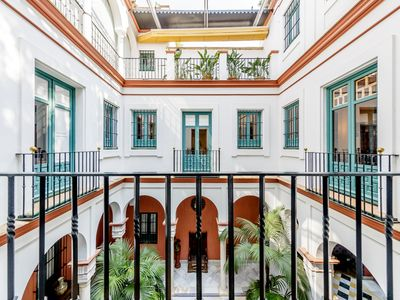Photo for Elegant town house for 6 people situated in the best area of Seville