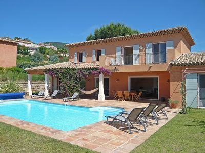 Photo for This 5-bedroom villa for up to 10 guests is located in Cavalaire-Sur-Mer and has a private swimming
