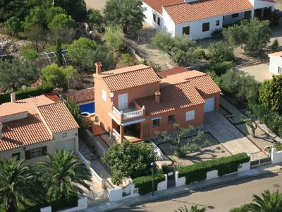 Photo for Villa with private pool, air conditioning, 100m from the sea, max 6 people