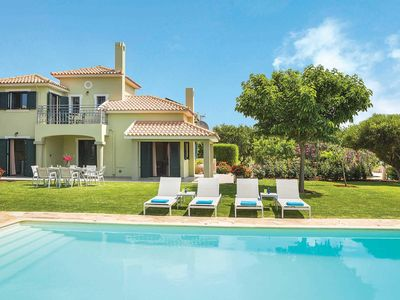 Photo for 4 bed Villa w/large pool, close to the airport, amenities & beaches
