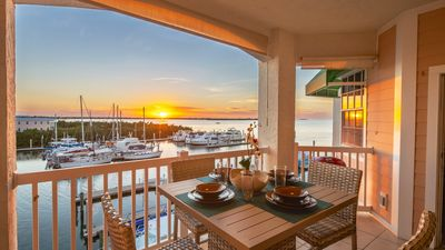 Photo for << SUNSET DREAMS 2 @ FLORIDA BAY >> Bay Condo / Pool & Spa + LAST KEY SERVICES...