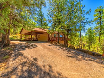 """Photo for """"Park Place""""-Beautiful Vacation Home w/ Big Deck in the Tall Pines"""