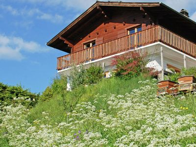 Photo for A detached chalet for 6 people with views of Veysonnaz.