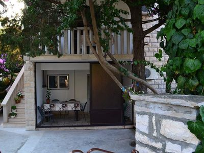 Photo for Three bedroom apartment with terrace and sea view Supetar, Brač (A-11278-b)