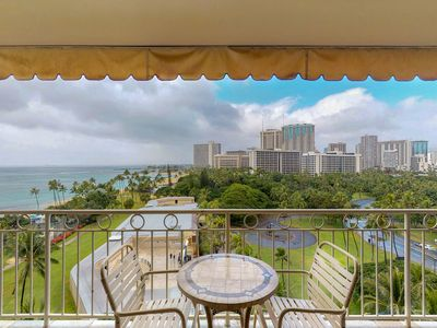 Photo for Waikiki oceanfront condo w/parking included - city, ocean and fireworks views!