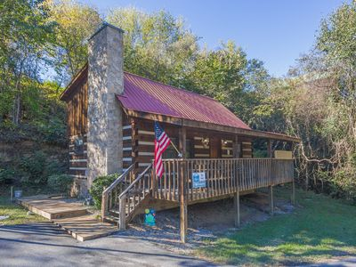 Photo for Pet friendly log cabin-Fishing pond-Free Wifi-Nice Hot Tub on Porch-Easy Roads