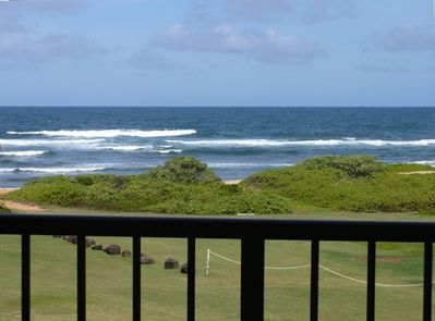 The Blue Hawaii Ocean - a stones throw from your lanai!