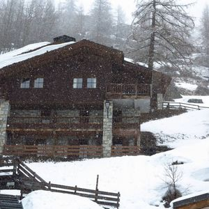 Photo for Luxurious chalet, with superb views and the charm of wood and stone