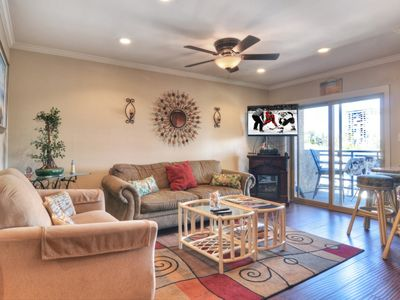 Photo for Harbor View, Steps to the Beach, Recently Renovated, Free Wifi, Marina Del Mar 314B
