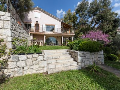 Photo for In the countryside, sea views, walking distance to the historic city