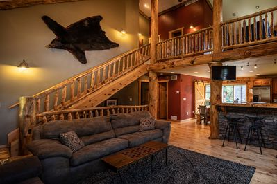 ***Legendary Moose Lodge-Luxury 5Bed cabin minutes from ...