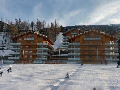 Photo for Luxury apartment (110 m2) with swimming pool and sauna in Haute-Nendaz