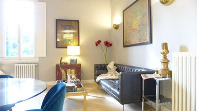 Photo for Charming Prati apartment in Oltrarno with WiFi, air conditioning & balcony.