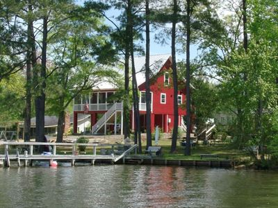 Lakefront!   Dock!   Beautiful Sunsets!   Accepting 2021 Bookings!