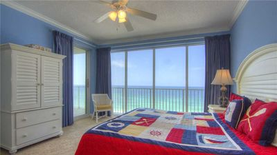 Photo for Deluxe Beachfront Condo