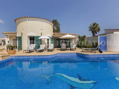 Photo for Empuriabrava, spacious villa with swimming pool, equipped with all comforts !!