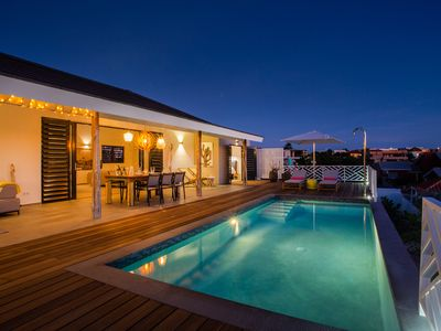 New! Minutes from the beach. 2-6 person Villa with private pool, sea view
