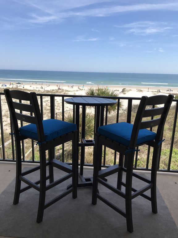 Crescent Beach Oceanfront Design: Beautiful 1/1 Oceanfront Condo-beautifully Decorated With