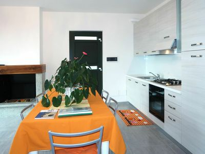 Photo for Nice apartment for 5 people with WIFI, TV, balcony, pets allowed and parking