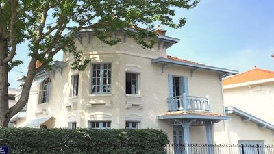 Photo for Charm, comfort and refinement close to the city center